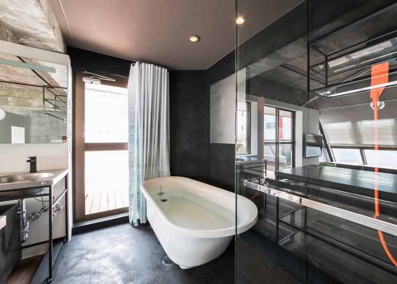 Tokyo-Loft-G-architects-studio-Apartment_dezeen_784_3