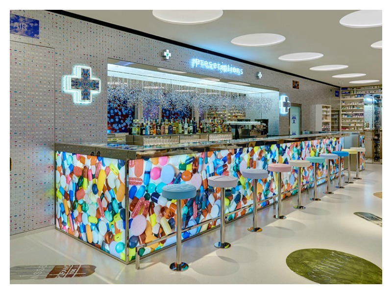 blog2_damien hirst_pharmacy restaurant
