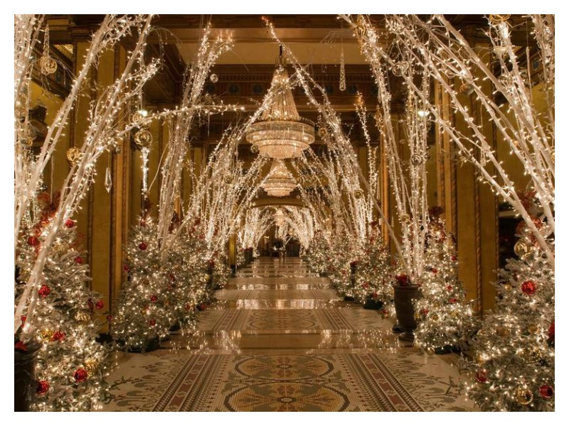 Dazzling Luxury Christmas decorations - Moody Monday