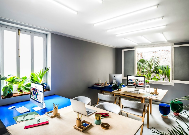 blog4_masquespacio-colourful studio-interior-design
