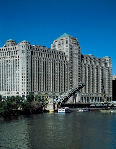 TheMART building Chicago Photo credi:pixabay